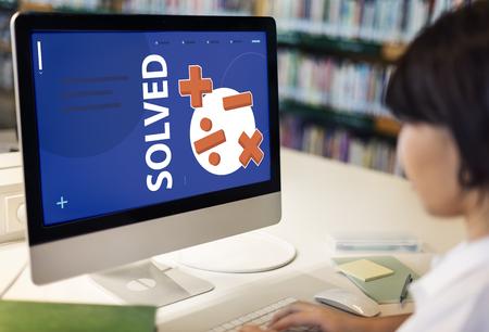 Student oplossen van wiskunde oplossingslessen