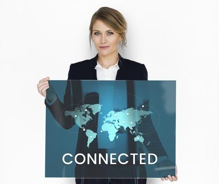 グローバルなコミュニケーションをオンライン コミュニティに接続しています。 写真素材