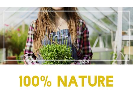 Beautiful life of woman gardening in nature 版權商用圖片 - 79897711