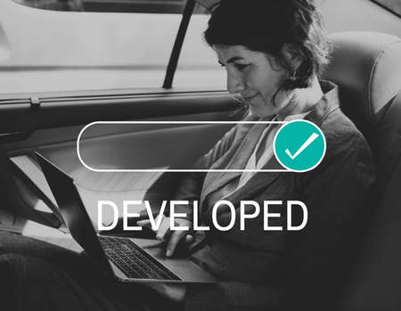 Entwickelter Assurance-zertifizierter Nachweis bestätigt Standard-Bild - 79898982