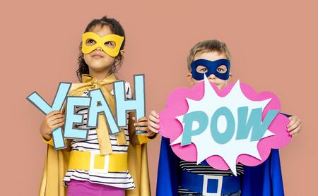 어린 아이들 슈퍼 영웅 예 Pow Papercrafts