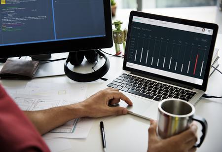 ノート パソコン ネットワーク グラフィック オーバーレイで作業の手