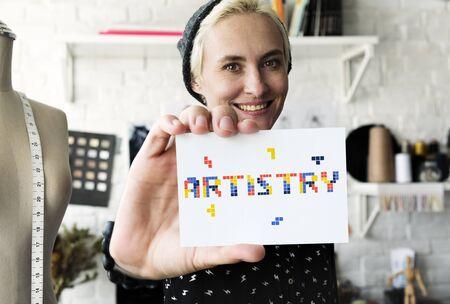 デザインのアイデアを創造性の 8 ビット単語イラスト