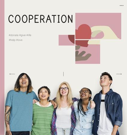 Groupe d & # 39 ; étudiants avec illustration de la charité des plantes de charité Banque d'images - 80276178