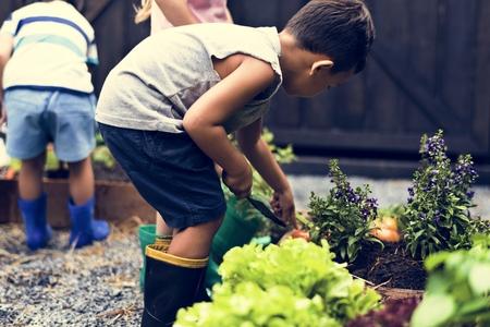 Kind in een tuin ervaring en idee