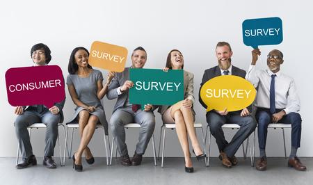 Osoby z koncepcją ankiet konsumenckich