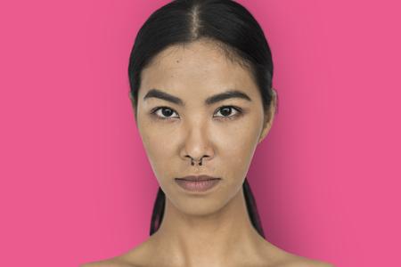Femme anneau anneau percées self esteem self portrait Banque d'images - 80375708