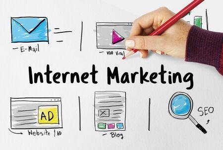 オンライン戦略メディア マーケティングのアイコン