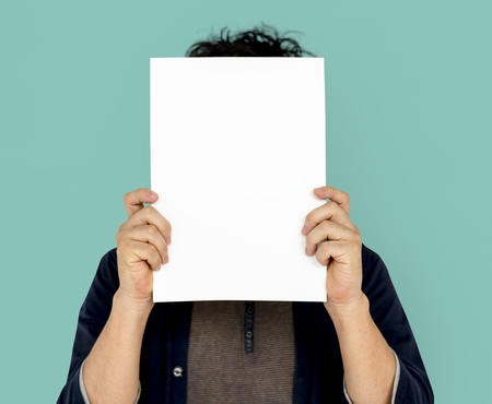 Volwassen Man Gezicht Covert Paper Portrait Copy Space Stockfoto
