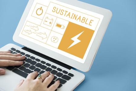 省エネルギー ラップトップ上持続可能性発電のイラスト 写真素材