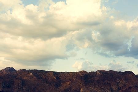 자연의 산 위의 Cloudscape 스톡 콘텐츠