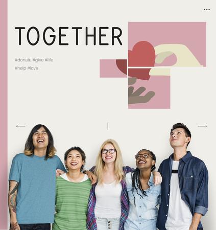 Groupe d'étudiants avec illustration de campagne de dons de charité Banque d'images - 80696812