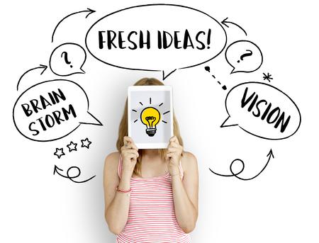 신선한 아이디어 창조적 인 혁신 전구