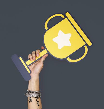 賞トロフィー賞成功チャンピオンを達成します。
