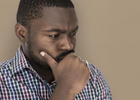 アフリカ系の男は、緊張感