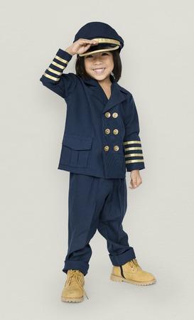 パイロットのコスチューム スタジオ ポートレートの小さな男の子