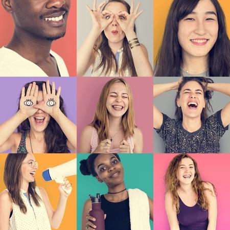 笑顔幸せと人々 の表情のコラージュ
