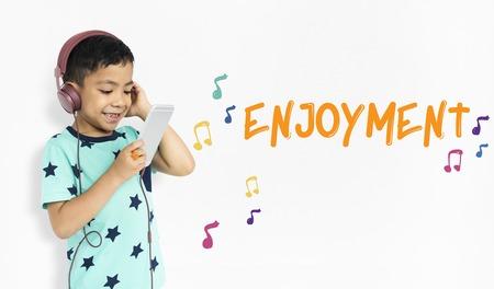 Les enfants reçoivent des activités de l & # 39 ; éducation des activités de la Banque d'images - 80726605