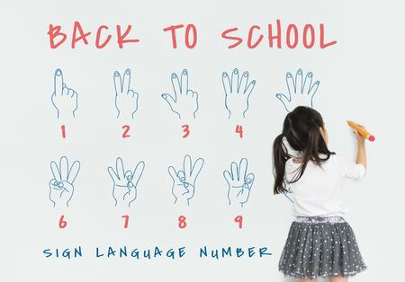 Zurück zur Schule Bildung Handzeichen Kommunikation Standard-Bild - 80815139
