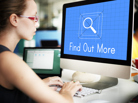 internet search: Data magnifier glass search online