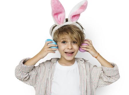 男の子笑顔イースター休日の概念 写真素材