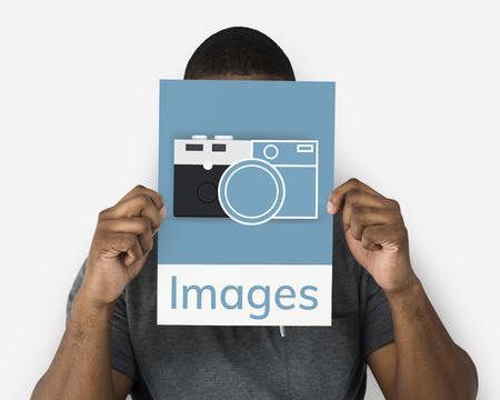 Man met een banner van camera verzamelt de herinneringen illustratie