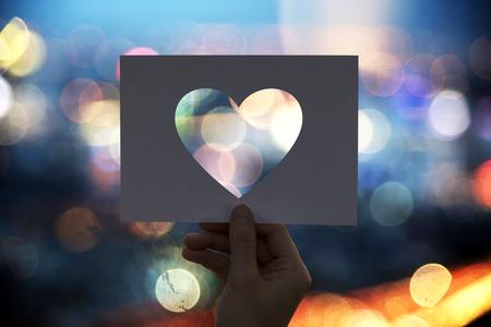 Liefde romantiek geperforeerd papier hart