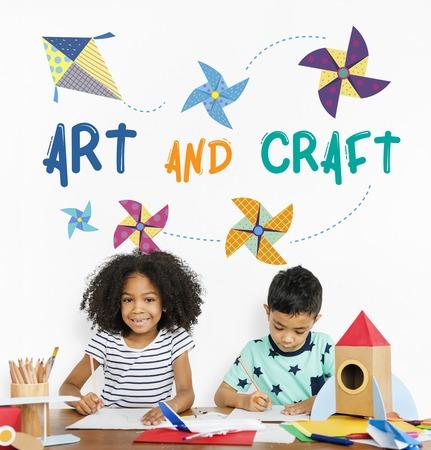 紙風車と飛行凧芸術とクラフトの図