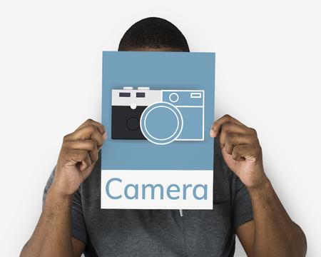 Mann hält Banner der Kamera sammeln die Erinnerungen Illustration Standard-Bild - 81233331