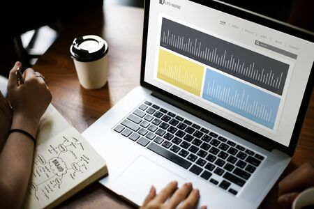 ビジネス パフォーマンス研究グラフの図 写真素材 - 81124812