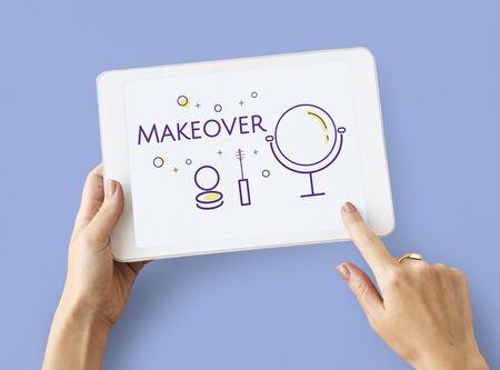 Illustration von Schönheitskosmetikverfeinerungspflege auf digitaler Tablette Standard-Bild - 81125378