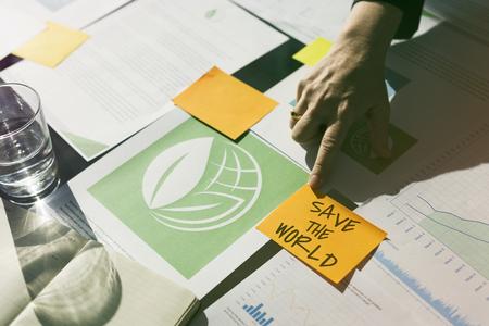 녹색 비즈니스 프로젝트에 대한 사람들의 토론
