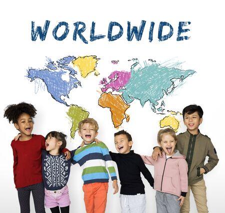 I bambini imparano l'istruzione con la cartografia mappatura grafica Archivio Fotografico - 81140092