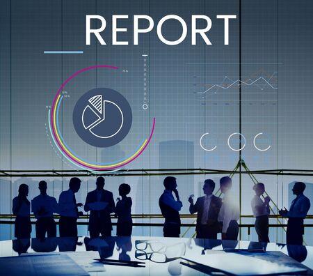 ビジネス グラフ データ解析のグラフィックとの会合の人々 写真素材