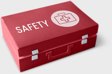 응급 처치 상자에 안전 단어