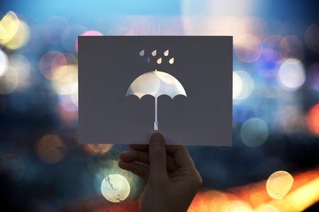 Regenachtig geperforeerd papieren paraplu