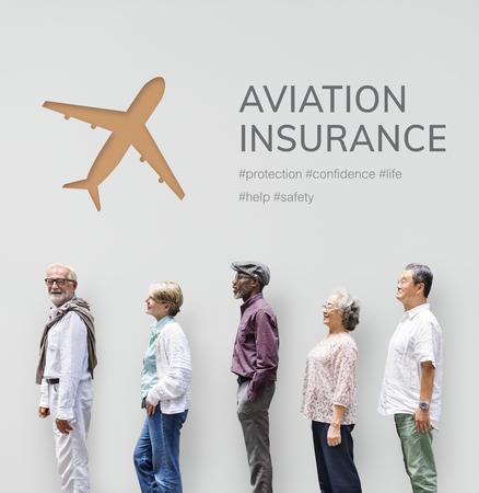 Leute mit Illustration der reisenden Reise der Luftfahrtlebensversicherung Standard-Bild - 81376121