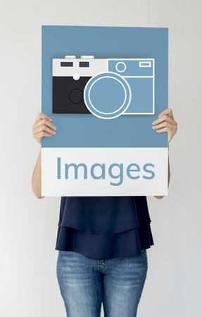 De banner van de vrouwenholding van camera verzamelt de geheugenillustratie