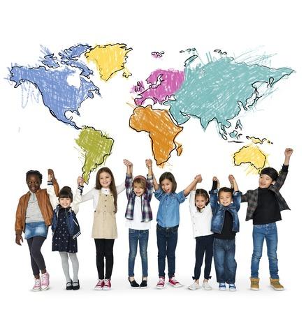 I bambini imparano l'istruzione con la cartografia mappatura grafica Archivio Fotografico - 81383251