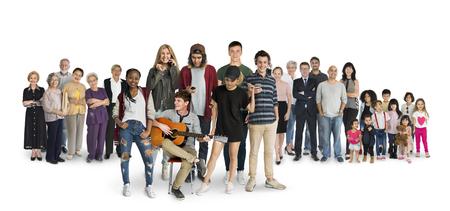 Diversità delle generazioni delle persone impostate insieme Studio isolata Archivio Fotografico - 81498823