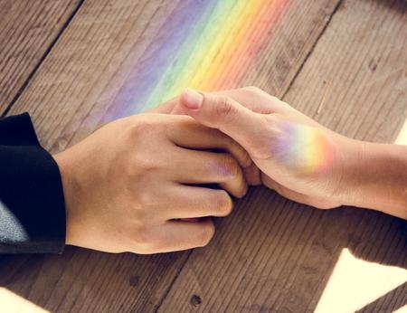 虹を一緒に両手に反映します。