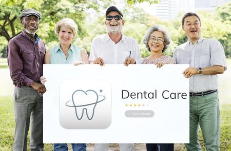 Illustrazione di cure odontoiatriche applicazione Archivio Fotografico - 81584784