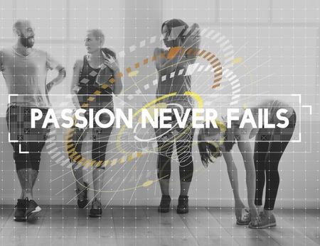 친구의 그룹은 함께 운동하고 열정은 절대로 실패하지 않습니다.