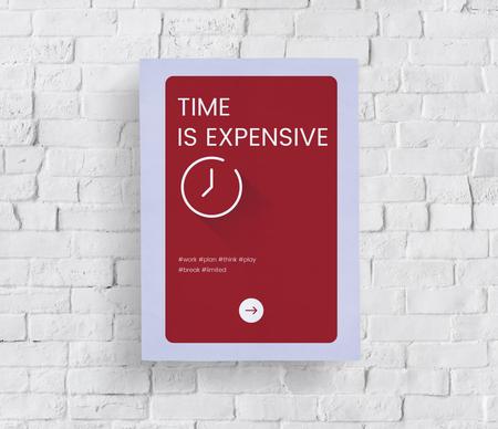 白いレンガの壁に時間の概念