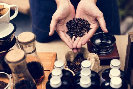 有機コーヒー製品で新しい一日を始まり
