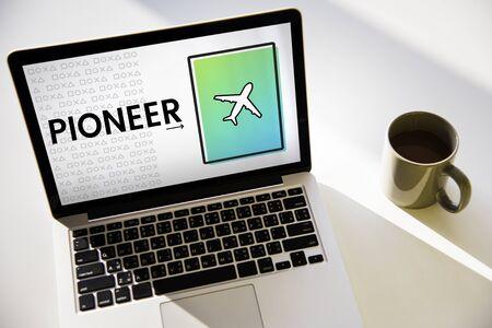 Icône d'avion Flèche Symbole Voyage Banque d'images - 81636444