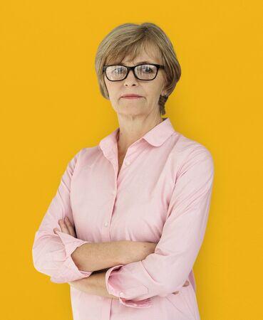 Portrait adulte d'estime de soi de confiance de femme adulte aînée Banque d'images - 81716685