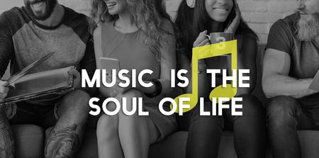 음악 듣기 멜로디 하모니 즐기기