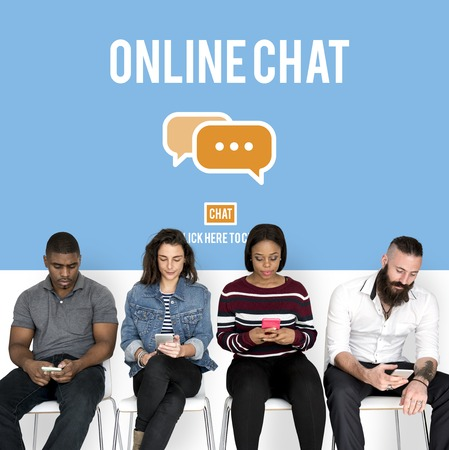 人とデジタル社会の概念のグループ