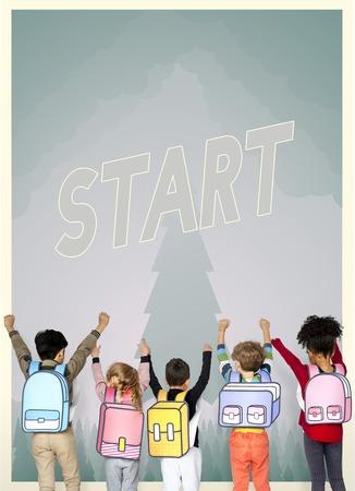 Groep schoolkinderen met aspiratiewoord grafisch